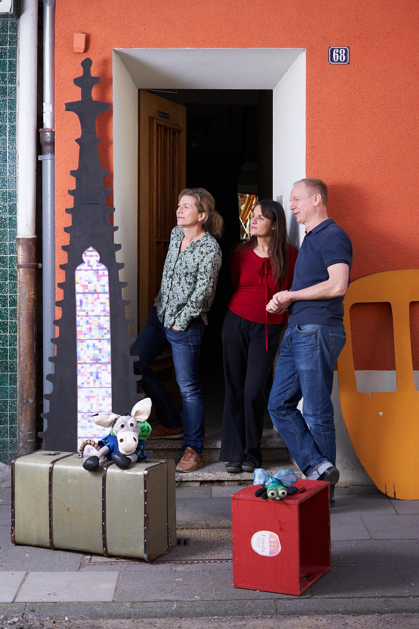 Portrait: Thandiwe, Dagmar und Joachim von Engel&Esel Produktionen